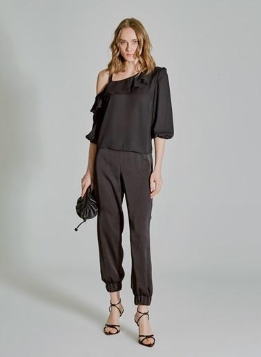 People By Fabrika Kol Detaylı Volanlı Bluz Siyah